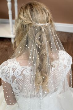 Violet Single layer barely there veil in fingertip length with a cut edge and mixed size pearls closeup from The Wedding Veil Shop. Veil Hairstyles, Wedding Hairstyles With Veil, Bride Hair With Veil, Veil Hair Down, Bride Hair Down, Bride Veil, Classic Wedding Dress, Wedding Dresses, Vintage Wedding Veils