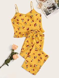 To find out about the Plus Cherry Print Ruffle Hem Cami Pajama Set at SHEIN, part of our latest Plus Size Pajama Sets ready to shop online today! Cute Sleepwear, Sleepwear Women, Pajamas Women, Loungewear, Girls Pajamas, Cute Pajama Sets, Cute Pjs, Cute Pajamas, Cute Lazy Outfits