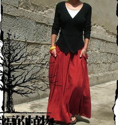 This list is for the red。    This graceful long skirt is made of high quality linen and cotton fabric.    Suitable for wearing in spring, summer and a