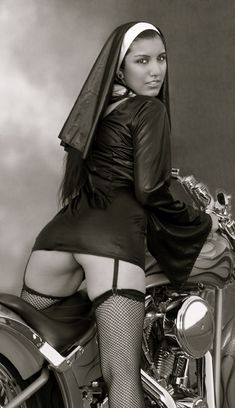 Beautiful Girls With Cars and Motorcycles - Bellas Mujeres Con Coches y Motos - Girls Washing Cars - Cars - Coches - Bikes - Motos Bike, Biker Girl, Women, Bikes Girls, Hot Nun, Bad Habits, Girl, Lady, Harley Davidson Pictures