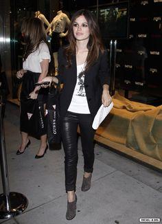 I ♥ Rachel Bilson's style. She always looks so cool.