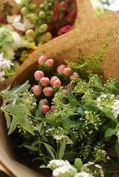 Seaweed Salad, Herbs, Ethnic Recipes, Flowers, Food, Essen, Herb, Meals, Royal Icing Flowers