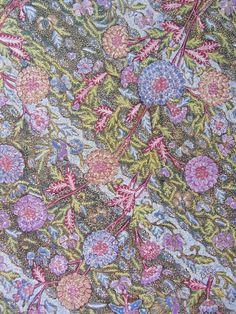 Baby blue tiga negeri, Ukel background. Signed Tjoa Siang Swie. Handrawn Indonesian Batik. ❤ It so much Surakarta, Batik Art, Javanese, Motif Design, Yogyakarta, Ikat, Pastels, Baby Blue, Art Work