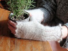 Ravelry: Bronte's Mitts pattern by Diane Mulholland