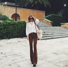 Claartje Rose, Dutch Blogger, brown trousers, blouse