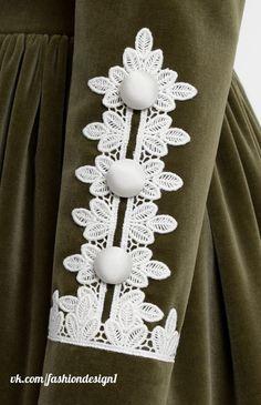 Kurti Sleeves Design, Sleeves Designs For Dresses, Dress Neck Designs, Sleeve Designs, Cotton Style, Cotton Lace, Cotton Velvet, Kurta Designs, Blouse Designs