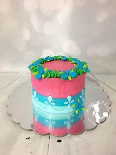 Trolls themed smash cake for Elm & Ivory Photography. #trollsbirthday #trolls #smashcake #poppy #princess #cake