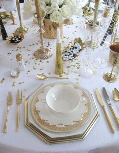 Beautiful Table Settings | 52 Beautiful And Sparkling New Year Table Settings