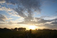 The South Downs Way on a Summer's Evening by Simon Verrall, via Flickr