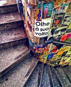 Consolação, São Paulo, SP. Foto de @belahornos, uma das vencedores do Concurso de fotografia #EnquadraSãoPaulo , da @ilovesaopaulo 😃 #olheosmuros #EnquadraSãoPaulo #consolacao #sp #artederua #arteurbana #lambelambe http://ift.tt/1UPIJSZ