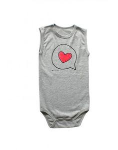 Que calor, né? Pro bebê ficar fresquinho, confira nosso body!   R$22,40 - Parecele em até 12x http://marredeci.com.br/bau-da-vovo/170-body-coracao-balao-botao-no-ombro-regata-cinza.html