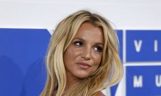 Only Britney Spears Could Get Away With Wearing A Bikini Top To The Gym | The Huffington Post