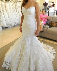 I love looking at possible wedding dresses for the future <3