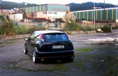 Black, Low Ford Focus mk1, big rims, double exhaust, Led lights