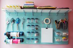 Find Here 45 Creative Pegboard Craft Room organization Ideas Pegboard Solutions Even in case you have an extremely compact craft space, pegboard can take advantage of your available space. For instance, a craft room can easily Pegboard Craft Room, Painted Pegboard, Pegboard Organization, Craft Room Storage, Wall Storage, Storage Ideas, Craft Rooms, Kitchen Pegboard, Organization Ideas