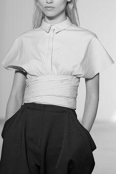 Crisp cotton shirt with wrap waist; chic tailored fashion details // Vionnet Spring 2014