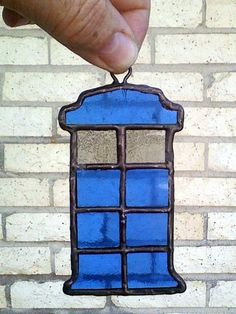 easy Stained Glass TARDIS suncatcher