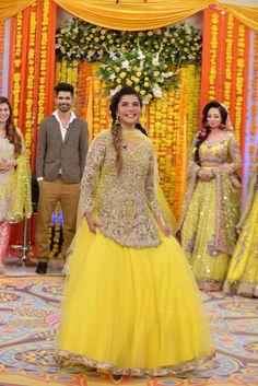 Bridal Mehndi Dresses, Mehendi Outfits, Desi Wedding Dresses, Indian Bridal Outfits, Indian Bridal Fashion, Party Wear Dresses, Dress Outfits, Pakistani Party Wear, Pakistani Dress Design