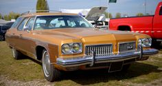 1973 Oldsmobile Custom Cruiser station wagon