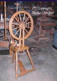 Dragonfly Farms - Spinning Wheels Scottish Castle Wheel, maple