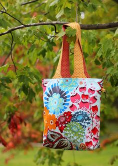 Compact Groceries Tote by twinfibers, via Flickr