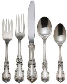 http://www.dinnerwarecenter.com/skin1/images/categories-z/Burgundy_5pps-zoom.jpg