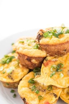 These easy, make-ahead egg cups are filled with sweet Italian sausage, sautéed peppers and Little Potato creamers. The perfect healthy breakfast recipe! Breakfast Egg Bake, Baked Breakfast Recipes, Healthy Breakfast Options, Gluten Free Recipes For Breakfast, Baked Egg Cups, Eggs In Peppers, Lemon Bowl, Sausage Potatoes, Sweet Italian Sausage