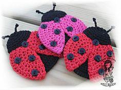 Crochet PATTERN Applique Ladybug Patch by NellagoldsCrocheting / step-by-step instr. Crochet Ladybug, Cute Crochet, Crochet Motif, Crochet Crafts, Crochet Flowers, Crochet Stitches, Crochet Baby, Crochet Projects, Knit Crochet