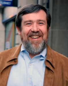 Alexey Pajitnov developed Tetris while working for the Dorodnitsyn Computing Centre of the Soviet Academy of Sciences, a Soviet government-founded R&D center. Super Nintendo, Nintendo 64, Alma Mater, Game Boy, Ibm Pc, Russian Video, Shigeru Miyamoto, Video Game Development, The Inventors