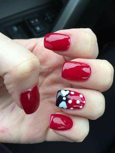 Minnie Mouse Nails, Mickey Mouse Nails, Disney Nail Designs, Cute Nail Designs, Fancy Nails, Pretty Nails, Mickey Mouse Nail Design, Disney Christmas Nails, Disneyland Nails