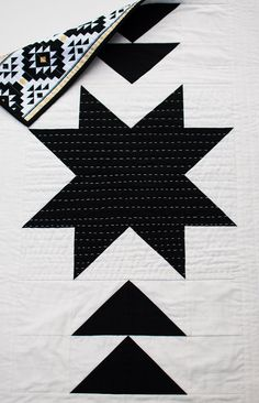 Modern Baby Quilt Toddler Quilt Baby blanket by Arrowandtheheart