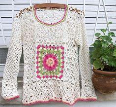 Soooo but with a modern touch! Crochet Coat, Crochet Cardigan, Crochet Yarn, Crochet Clothes, Moda Crochet, Crochet Granny, Cute Crochet, Crochet Diagram, Crochet Patterns
