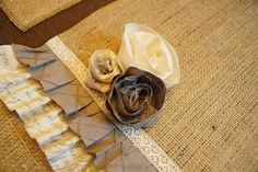 Burlap and Ruffles Table Runner--I am obsessed with burlap...my husband makes fun of me for it...glad other people see where I am coming from. :)