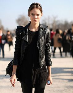 Freja Beha Erichsen finishes out the week in another tough all-black look.