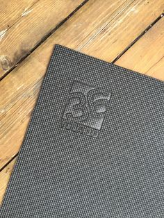 Square36 Large Yoga mat up close!!! Perfect for fully stretching out! Available in 6'x4,' 6'x6′ and 8'x6′ www.square36.com #yoga #yogi #yogamat #mat #square36mats #yogalife #yogalove #yogaeverywhere #yogaeverydamnday #fitness #homefitness #homeyoga