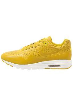 Mit diesem Sneaker bekennst du Farbe. Nike Sportswear AIR MAX 1 ULTRA MOIRE - Sneaker - dark citron/bright citron für 86,95 € (15.01.16) versandkostenfrei bei Zalando bestellen.