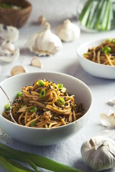 These vegan garlic sesame noodles require just 9 ingredients that can be fo Vegan Foods, Vegan Vegetarian, Vegetarian Recipes, Cooking Recipes, Healthy Recipes, Vegan Noodles Recipes, Vegan Meals, Veggie Recipes, Asian Recipes
