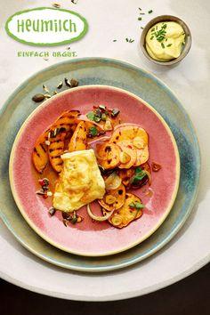 Gegrilltes Gemüse mit Heumilchkäse überbacken Brunch, Thai Red Curry, Ethnic Recipes, Food, Grilled Vegetables, Yogurt, Eat Lunch, Dinners, Melted Cheese