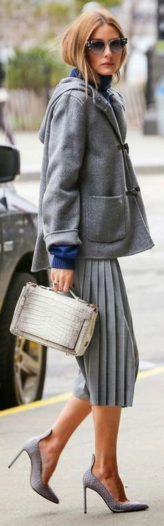 See the best street style moments of Olivia Palermo. Olivia always dazzles with her perfect, pulled-together socialite style. Estilo Olivia Palermo, Olivia Palermo Lookbook, Olivia Palermo Style, Fashion Mode, Look Fashion, Fashion Trends, Skirt Fashion, Paris Fashion, Runway Fashion