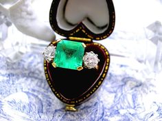 Vintage Colombian emerald ring