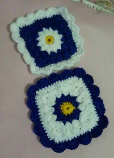 Crochet granny square coasters alternate colour