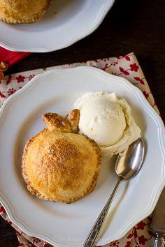 Apple Dumplings A la Mode {Kitchen Confidante} Tart Recipes, Apple Recipes, Sweet Recipes, Holiday Recipes, Dessert Recipes, Yummy Recipes, Yummy Treats, Delicious Desserts, Sweet Treats