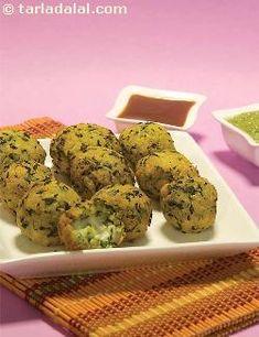 Stuffed Methi Paneer Pakoda recipe | by Tarla Dalal | Tarladalal.com | #36931
