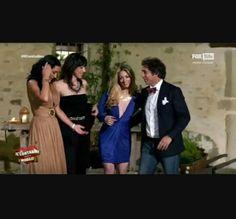 """ecco Marco a """"Il contadino cerca moglie"""" che deve scegliere tra (da sinistra): Mariella, Sara e Francesca"""