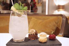 【 Les Cocktails du Mardi Soir 】  « Groenland Mississipi » notre #cocktail glacial de la semaine fait de #Rhum blanc, Sirop d' #Orgeat, #Cointreau, #lime and Get 31 #menthe #glaciale & #mignardises sucrées.  •—•  « Groenland Mississipi » our freezing cocktail of the week, made of white #rum, #Orgeat syrup, Cointreau, lime and Get 31 #menthe #glaciale & mini-#pâtisserie.  #lescocktailsdumardisoir #hotellancaster #drink