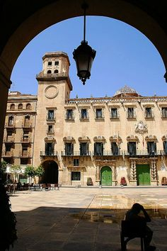Panoramio - Photo of Alicante, Plaza del Ajuntamiento Places To See, Places Ive Been, All About Spain, Southern Europe, Cities, Places Of Interest, Spain Travel, Beautiful World, Villas