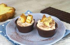 INGREDIENTI 50g cioccolato fondente 100ml panna da montare 3 cucchiaini di caffè 1 cucchiaio di zucchero a velo 1 cucchiaino di cioccolato fondente pandoro PREPARAZIONE 1.