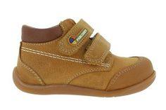 Botas de niño en Zapaterías el valle!  Te ofrecemos nuestros  Zapatos colegiales, Marca Pablosky. Zapaterías El Valle .Fabricados en piel y  Hecho en España. Venta en San Sebastián de los Reyes, Alcobendas, Tres Cantos y http://www.zapateriaselvalle.com/  ENVIO GRATIS. collegiate shoe, scarpe