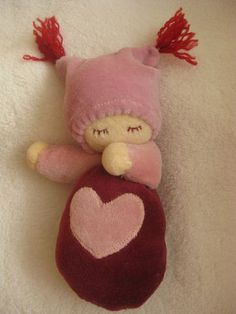 Great idea for a little girls first baby doll!  Sooo sweeet!