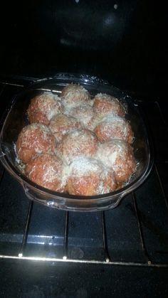 Bolas de papas gratinadas en queso parmesano Ethnic Recipes, Food, Meals, Yemek, Eten
